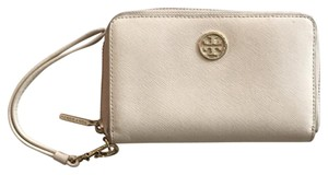 Tory Burch Wristlet in cream
