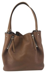 Burberry Strap Large Centerbury Tote in Tan
