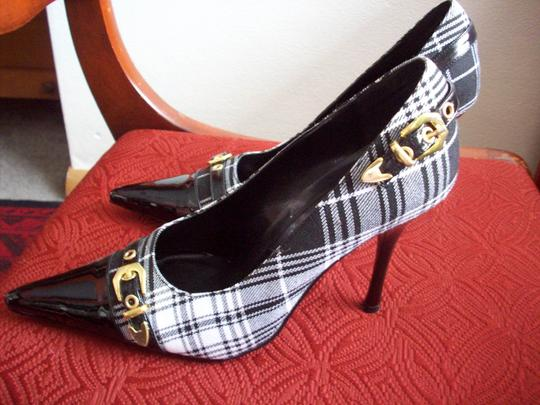 Frédérique Constant Black and White Pumps