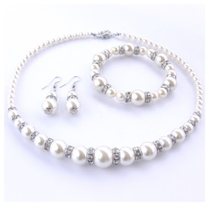 Swarovski Elements Choker Faux Pearl Necklace with bracelet and ear studs