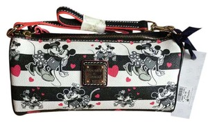 Dooney & Bourke & Mickie Mouse Minnie Mouse Disney Clutch