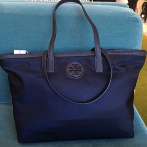 Tory Burch Tote in navy