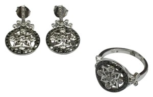 Other Estate 18 K White Gold Earrings and Ring Set With Diamonds