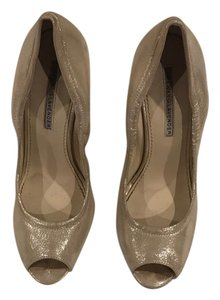 Vera Wang Lavender Label matte gold shimmer Wedges