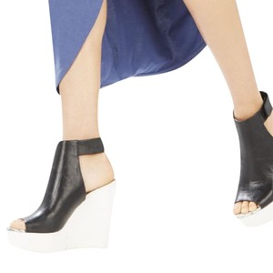BCBGMAXAZRIA Black/White Wedges
