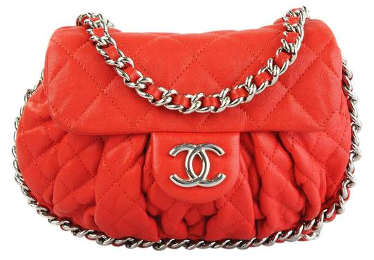 Preload https://img-static.tradesy.com/item/20979257/chanel-quilted-small-chain-around-red-leather-cross-body-bag-0-3-540-540.jpg