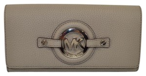 Michael Kors Michael Kors Stockard Carryall Leather Wallet