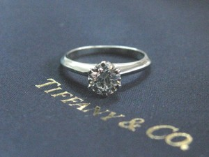 Tiffany & Co. Tiffany & Co Platinum Round Diamond Solitaire Engagement Ring F-VS1 .6