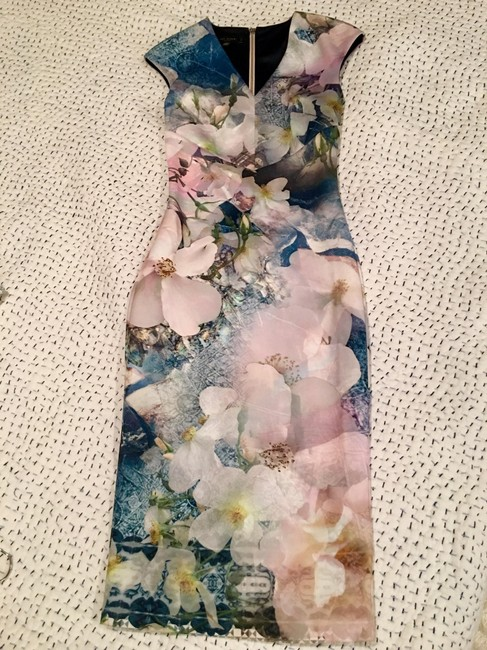 Item - Pink Floral Wa5w Gdf9 Amily Mid-length Work/Office Dress Size 2 (XS)
