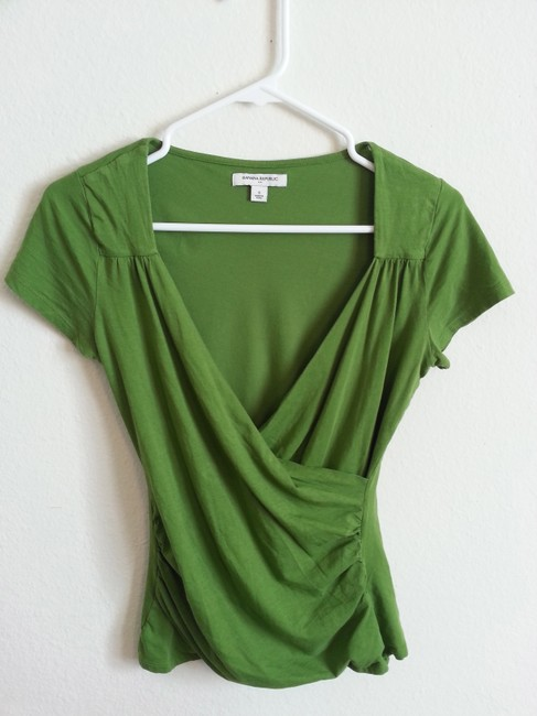 Preload https://item4.tradesy.com/images/banana-republic-green-sleeve-tee-shirt-size-4-s-2098083-0-0.jpg?width=400&height=650