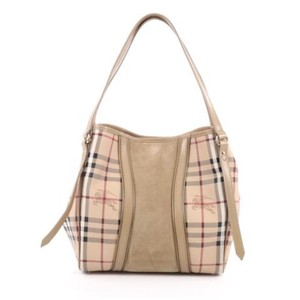 Burberry Tote in Beige,Brown Signature print