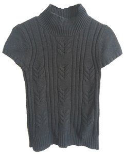 Old Navy Cable Short Sleeve Turtleneck Sweater