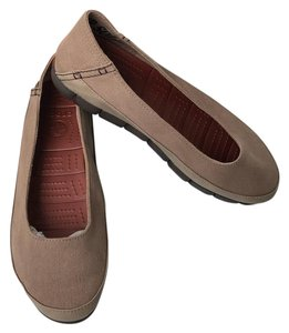 Crocs TUMBLEWEED ESPRESSO BROWN TAN Flats