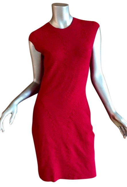 Item - Red Runway Mid-length Night Out Dress Size 12 (L)