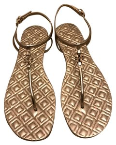 Tory Burch #toryburch #tbsandal #sandal #quilted #toryburchsandal Gold Sandals