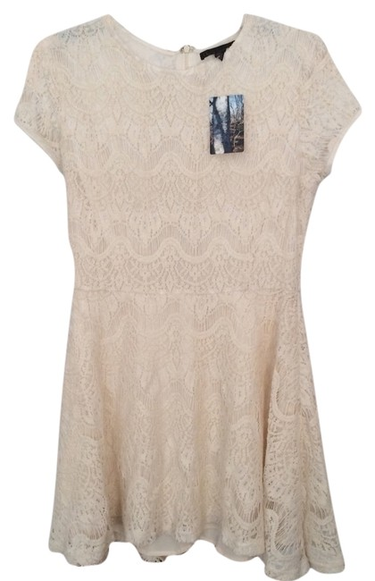 Preload https://img-static.tradesy.com/item/2098243/urban-outfitters-cream-lucca-couture-eyelash-lace-short-casual-dress-size-8-m-0-0-650-650.jpg