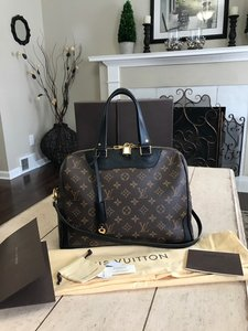 Louis Vuitton Retiro Crossbody Monogram Handbags Wallets Shoulder Bag