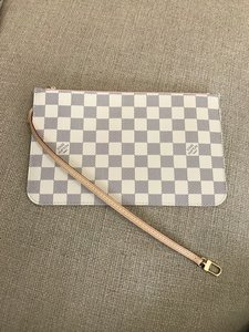 Louis Vuitton Pouch Pochette Clutch Wallets Wristlet in (Damier Azur Rose Ballerine)