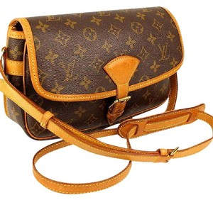 Louis Vuitton Lv Sologne Gm Lv Lv Speedy Saumur Cross Body Bag