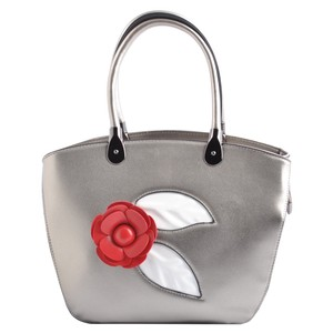 USO COUURE Fashionbags Affordablebags Designerbags Flowerbags Tote in Silver