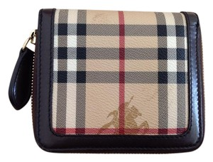 Burberry Excellent condition haymarket check classic round zip wallet