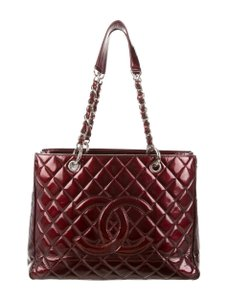 Chanel Tote in burgandy