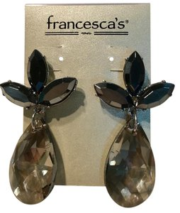 Francesca's NWT Sparkly Leaf Drop Earrings Jewelry