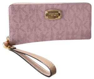 Michael Kors NWT MK Wallet Travel Continental Pink Style: 35S7GTTE7B