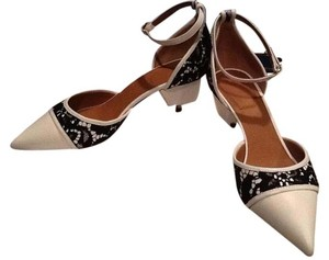Givenchy white with black lace Pumps