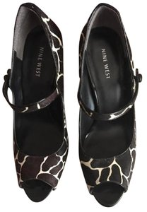 Nine West Black & White Giraffe print Pumps