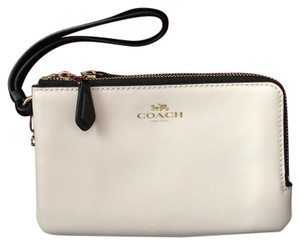 Coach Wristlet in black and brown