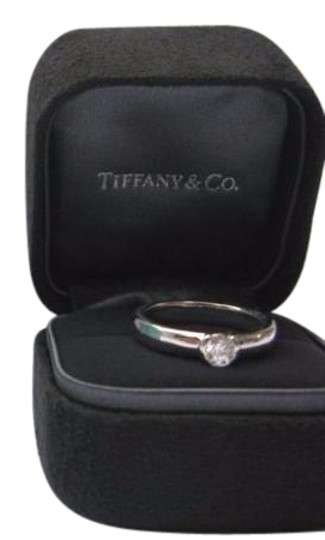 Preload https://img-static.tradesy.com/item/20988736/tiffany-and-co-e-co-platinum-etoile-diamond-solitaire-044ct-ring-0-1-540-540.jpg