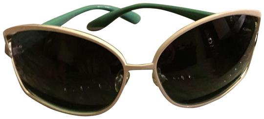 Preload https://img-static.tradesy.com/item/2098882/marc-jacobs-turquoise-with-white-sunglasses-0-1-540-540.jpg