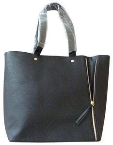 Neiman Marcus Handbag Hand Fashion Tote in Black