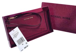 Michael Kors NWT And Gift Boxed Gorgeous MK Wristlet Clutch Purse Handbag Wallet