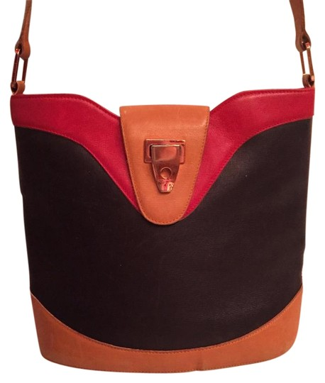 Preload https://img-static.tradesy.com/item/20989250/valextra-vintage-shoulder-black-red-and-tan-leather-cross-body-bag-0-3-540-540.jpg