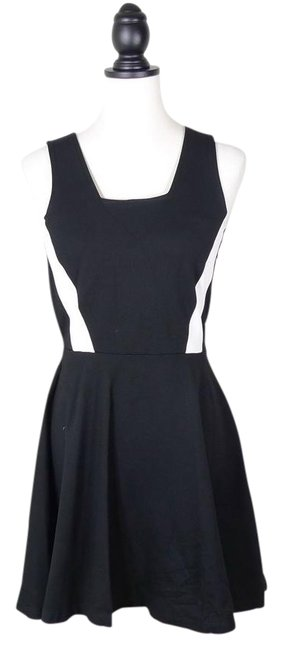 Preload https://img-static.tradesy.com/item/20989572/french-connection-black-and-white-fcuk-fit-flare-color-short-cocktail-dress-size-6-s-0-1-650-650.jpg