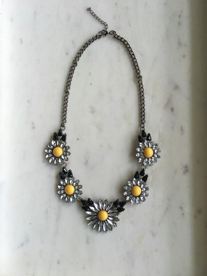 Preload https://img-static.tradesy.com/item/20989997/stone-daisy-black-yellow-clear-statement-necklace-0-0-540-540.jpg