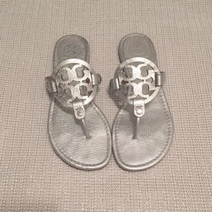 Tory Burch Pebbled Leather Silver Sandals