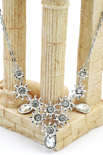 Ocean Fashion Brilliant silver flowers white crystal necklace earrings set