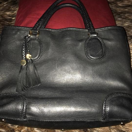 Preload https://item3.tradesy.com/images/gucci-marrakech-black-leather-tote-20990477-0-0.jpg?width=440&height=440