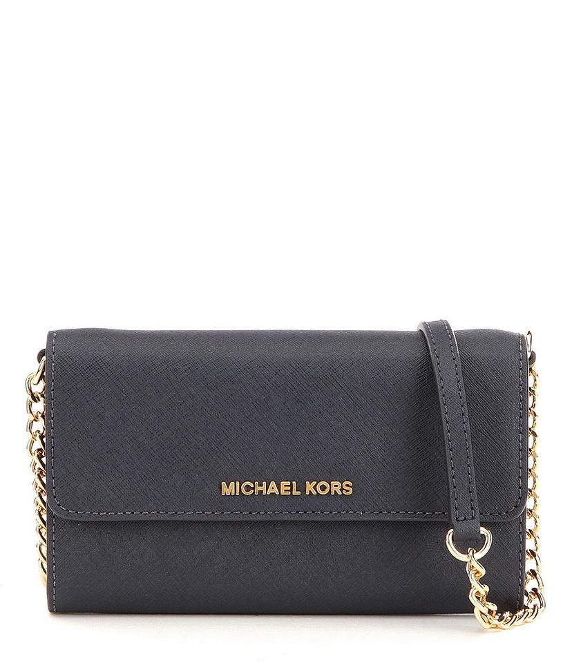 michael kors black jet set travel large saffiano leather phone 32t4gtvc3l cross body bag tradesy. Black Bedroom Furniture Sets. Home Design Ideas