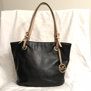 Michael Kors Leather Jet Set Travel/weekend Satchel Tote in Black Tan Gold