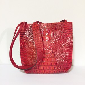 James culver Tote in red