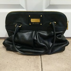 Marc Jacobs Tote in Black with gold hardware.