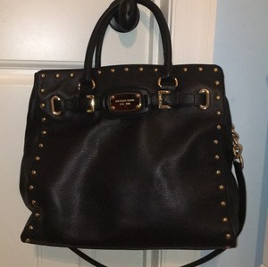 Michael Kors Tote in black with gold accents