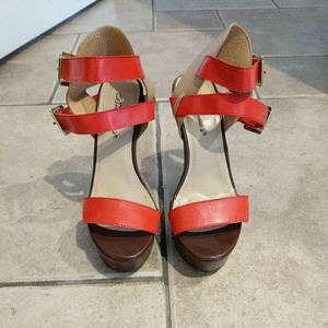 Breckelle's Brown and coral Platforms