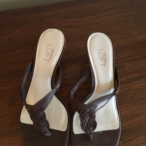 Ann Taylor LOFT Leather Brown Thong Sandals