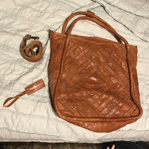 Monserat De Lucca Tote in Brown