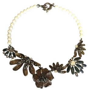 Ann Taylor Ann Taylor Pearl and Crystal Statement Necklace
